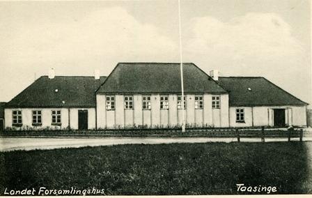 Nyt forsamlingshus opføres i Landet, og det gamle nedrives.